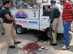 В пакистанских нападениях погибли 3 полицейских
