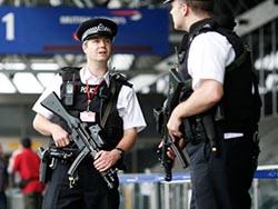 Великобритания арестовала 4 человек подозреваемых в терроризме в Сирии