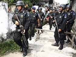 Полиция Индонезии арестовала 3 предполагаемых боевиков