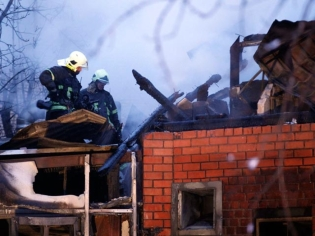 Во Владивостоке пожар в кафе