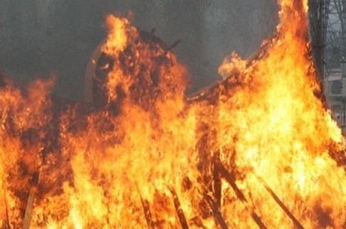 УВД Мариуполя объято огнем