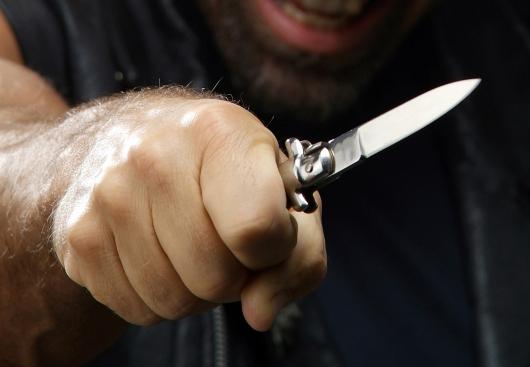Արտակարգ դեպք Աբովյանում. տանտերն իր տանը հայտնաբերել է գողերին, որոնցից մեկը դանակահարել է նրան
